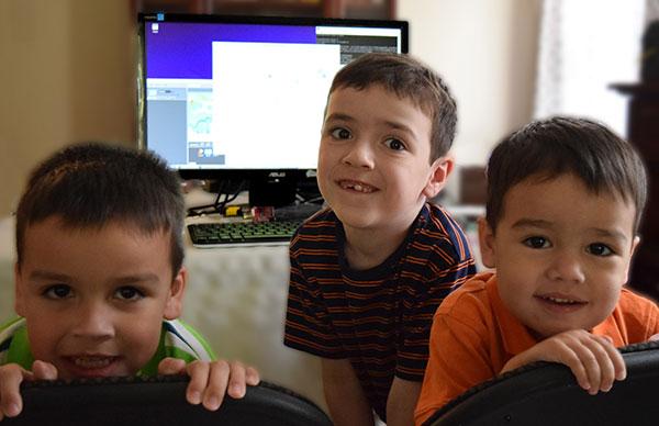 """高通开发板DragonBoard 410C 真的是""""小孩子的游戏"""""""