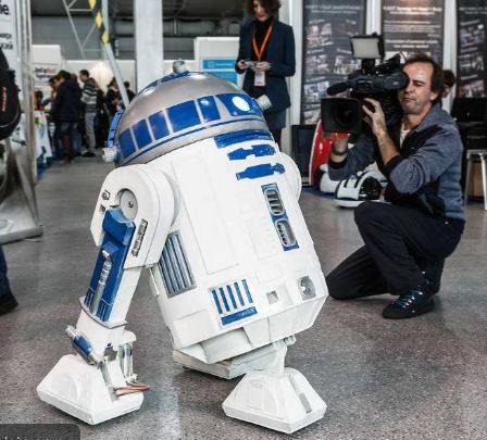 随着机器人产品渗透到社会各行各业,安防机器人逐渐...