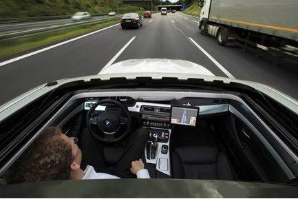 我们可能还需要等待几十年,自动驾驶汽车的时代才会来临
