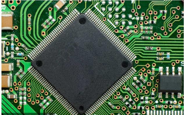 单片机中为什么有了Flash还有EEPROM?
