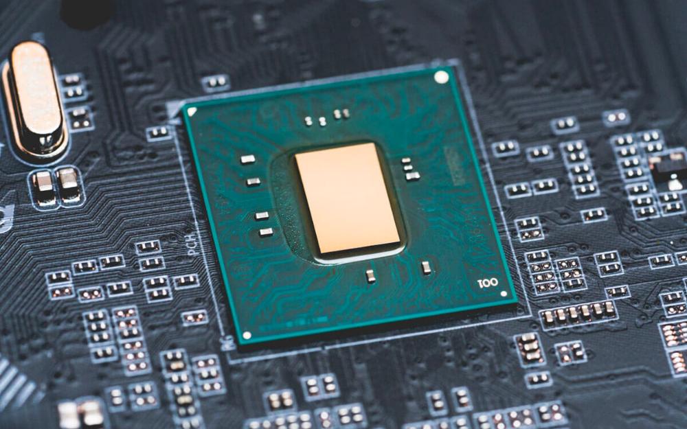 英特尔重新启用22nm工艺生产主板芯片,减轻产能...