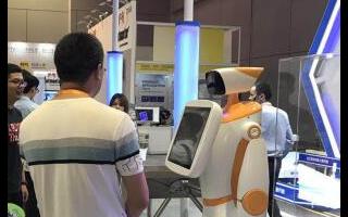 国辰机器人实力?#26009;?#24037;博会领航智能发展新时代