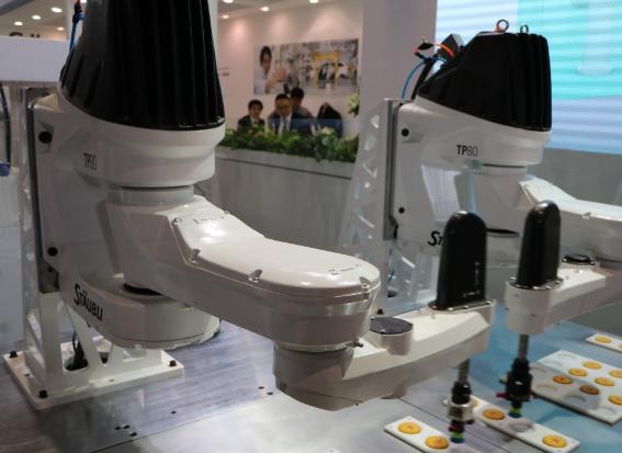 机器人云平台使生产决策智能化 互联网推动机器人更...