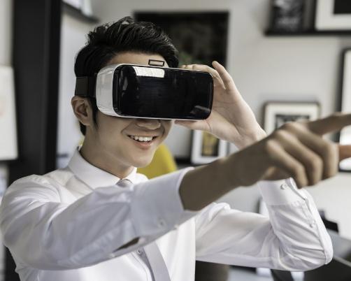 索尼新专利将通过眼球追踪等技术来尽可能防止VR的...