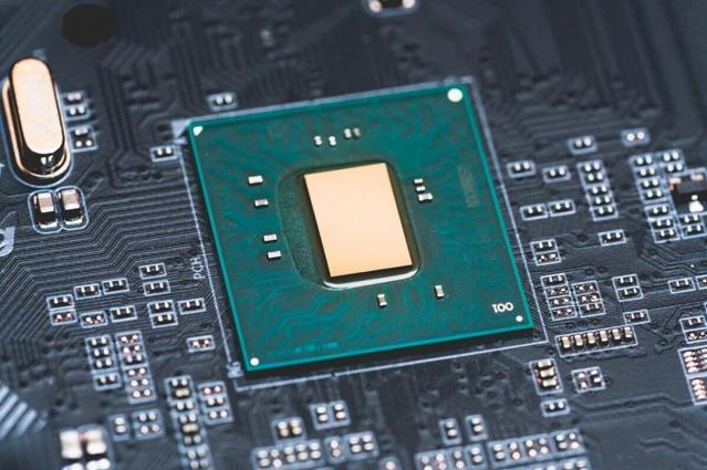 英特爾重啟22納米制程 制造全新H310C芯片組