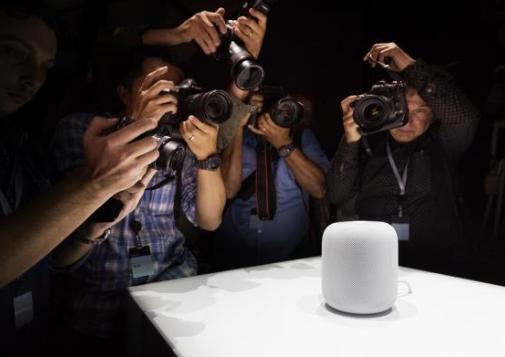 随着人工智能技术日益成熟,智能音箱被视为争夺智能...