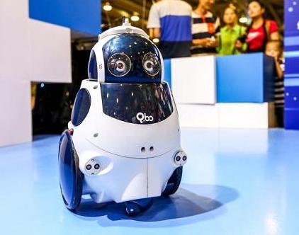 物联网时代下,怎么才能打造爆款机器人?