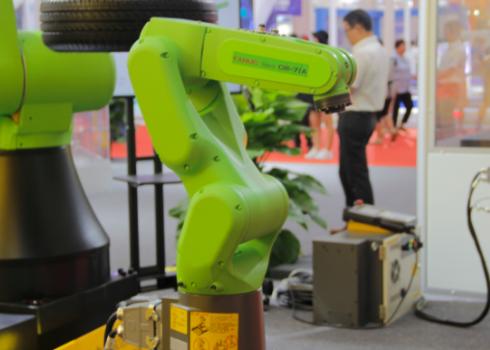 随着机器人龙8娱乐城官网的不断发展成熟,传统工业生产模式也发生了巨大的变革