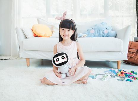 小哈智能教育机器人H2上市,一体式儿童教育生态再...