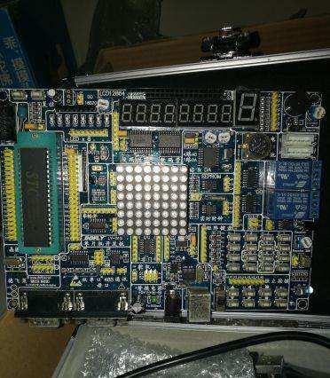 51单片机在智能时钟控制系统中的应用设计