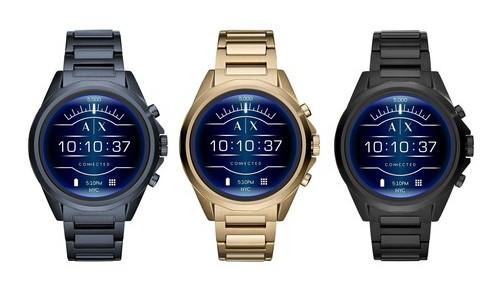 阿玛尼推出全触控智能手表,搭载了NFC模块支持移动支付