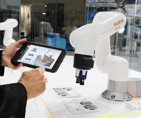 工业机器人正在走向轻量化与long8龙8国际pt化