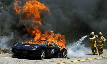 电动汽车频频自燃究竟是谁的错?