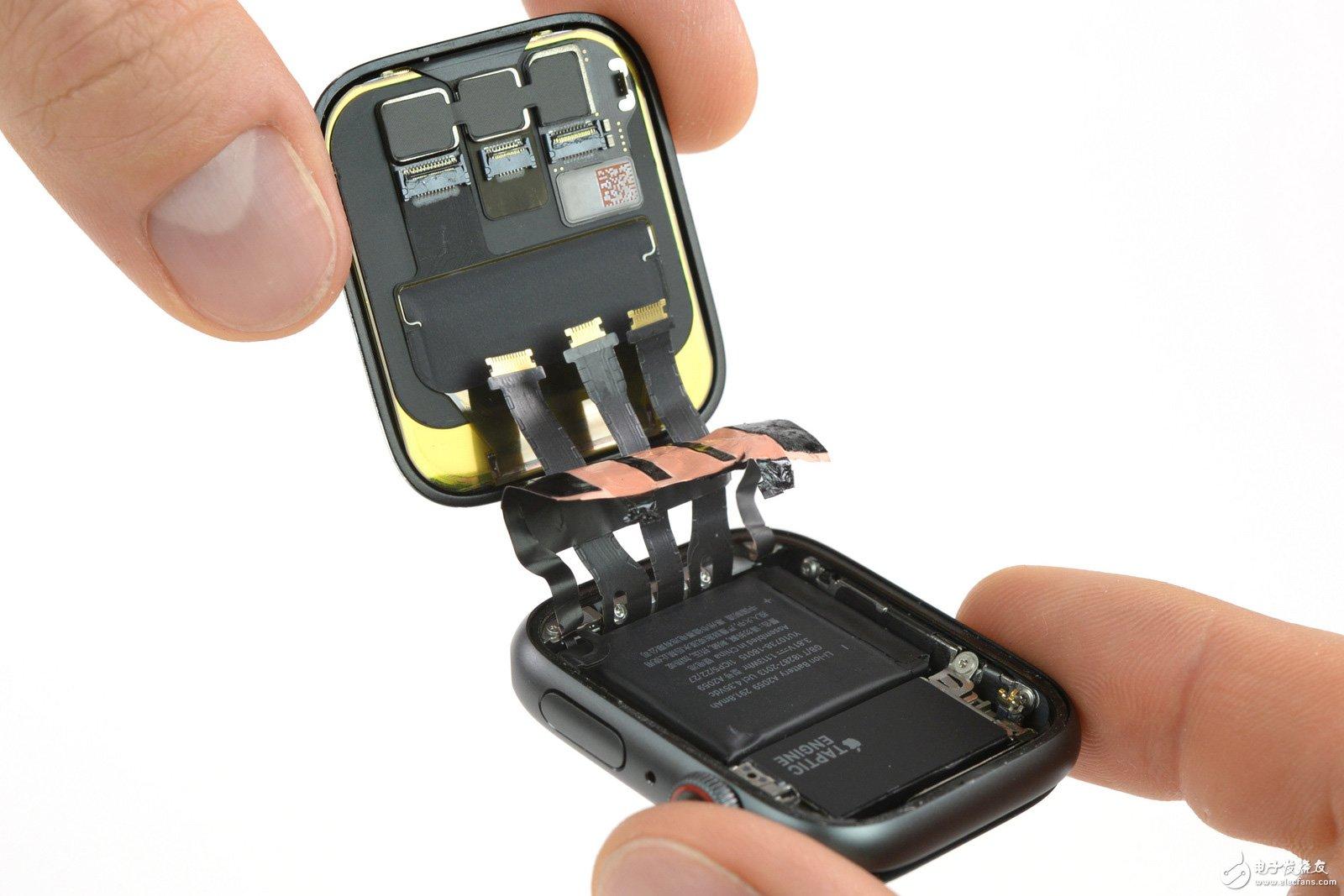 AppleWatch4拆解 心电图感应器一目了然