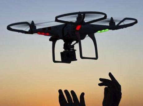 美陆军为把无线充电提升到新的高度,正在研发激光充电无人机