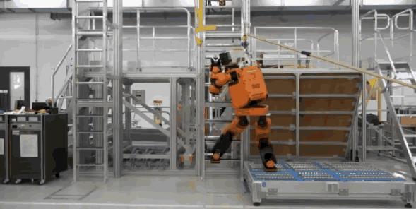 本田机器人E2-DR:动作灵活,定位灾难援助