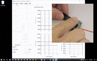 如何将示例代码上传到MAXREFDES100健康传感器平台并启动程序