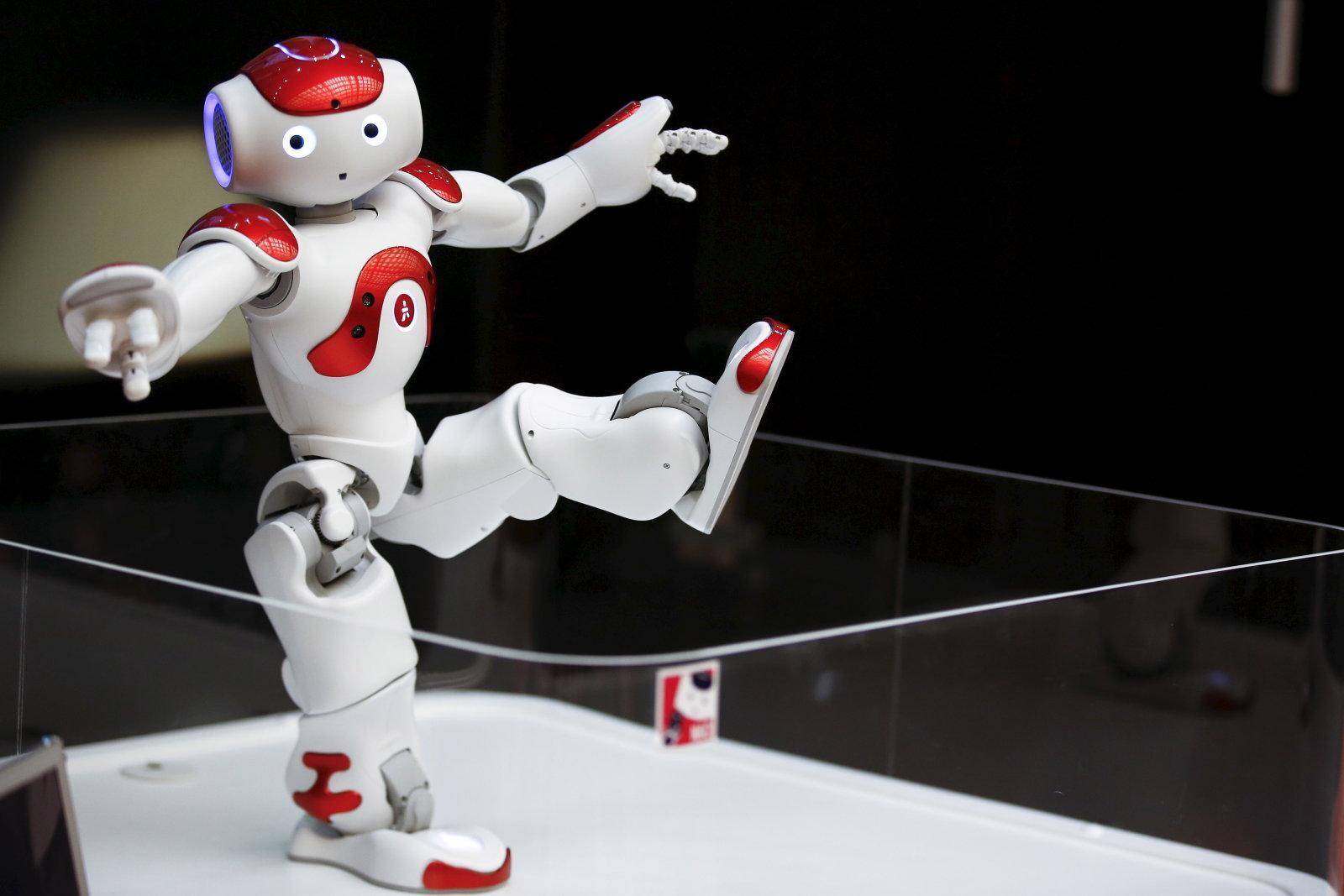 日本宣布将进行利用AI和机器人来提升英语教育的实验