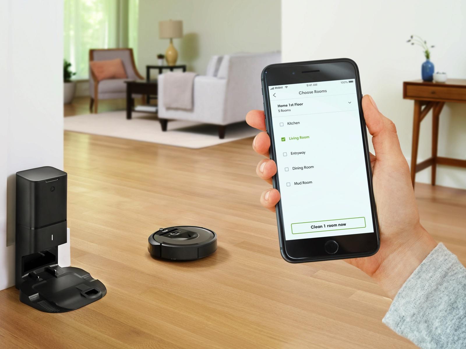 iRobot推出新款扫地机器人 竟拥有自动清理尘盒的功能