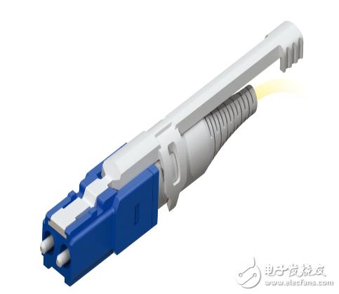 CS連接器:適用于400G新一代數據中心,外觀與LC雙芯連接器相似