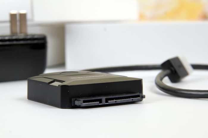 数据存储神器 绿联USB转SATA硬盘转接线上手体验