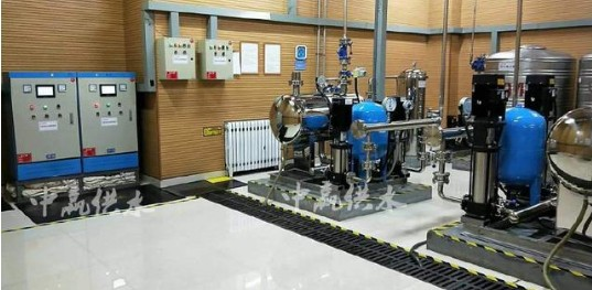 基于AT89C51单片机在变频调速恒压供水系统中...