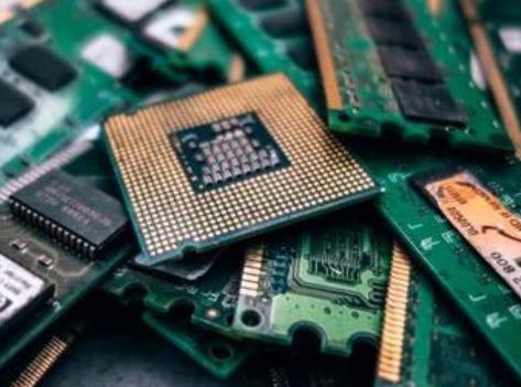 由于市场持续供过于求,DRAM与NAND Fla...
