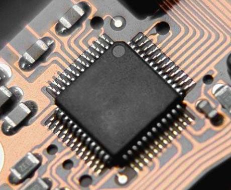通过iTrax02的GPS接收机模块实现GPS数据导航系统设计