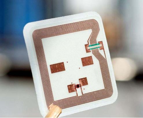 远距离RFID射频识别技术应用于停车场管理中,可...
