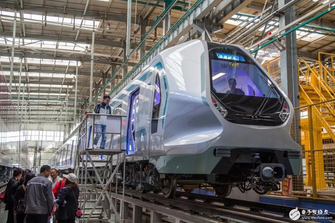 深圳地铁9号线西延线首列新车车厢内部将采用LED照明 科技感十足