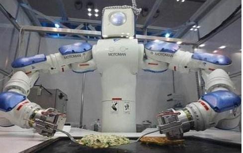 优衣库启用了一套自动化系统,让机器人取代了90%的人力