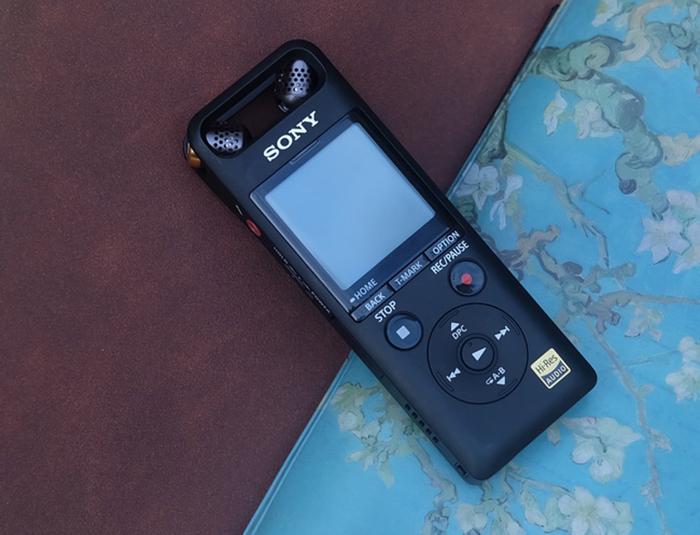 索尼PCM-A10录音笔评测 轻盈的体态下蕴含着...