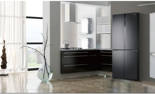 三星推出品道私厨冰箱,拥有控温技术,可达到锁住营养不流失的目的