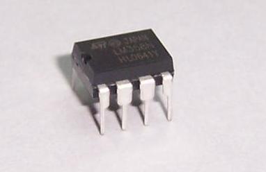 TI推出业界首款36V轨至轨输入输出(RRIO)运算放大器