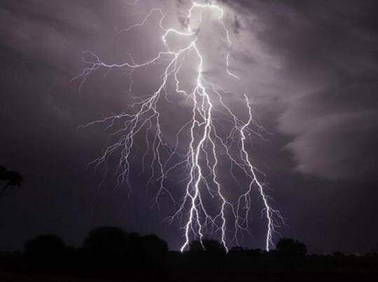 """为什么闪电网络会被称为比特币的""""第二层""""?"""