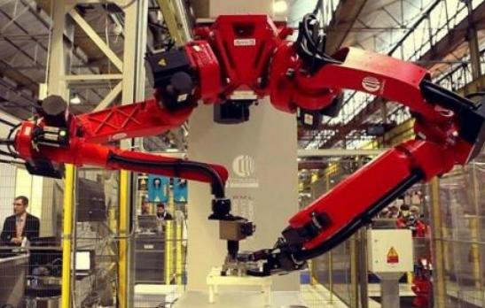 我国机器人产业目前发展如何了?工业机器人产量约占全球1/3!