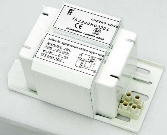 采用二级拓扑电路实现金卤灯镇流器控制的设计