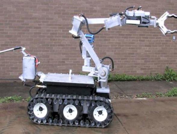 英国将获得新型拆弹机器人,能通过40度以上的斜坡