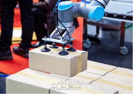 协作机器人市场目前虽然还不成熟,但是以后市场会越来越大