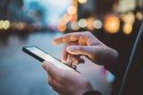 """2018年各家的旗舰智能手机有任何明显的特质,那就是它们都很""""无聊"""""""