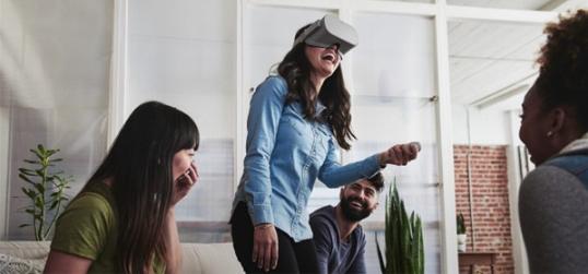 高通发布了一款可以驱动独立式VR和AR头显的专用...