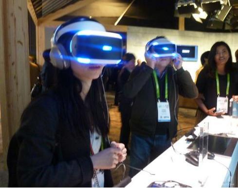 VR游戏市场预计到今年年底将增长220%,VR头...