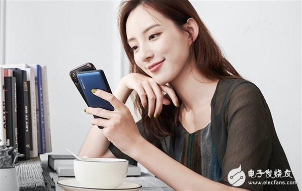 南孚发布新一代无线充电宝 可同时为两台手机充电