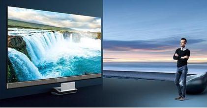 有了阿里的帮助,坚果面对竞争激烈的激光电视市场底...