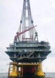 我国寒冷海域首座海上升压站吊装成功