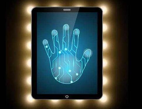 指纹识别技术开发出全新的扫描方式,通过监测毛孔分...