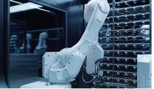 日本松下电器公司推出由机器人配菜的智能餐厅,将在...