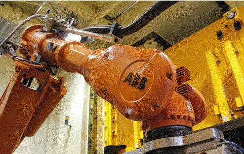 全国首个电力故障应急机器人小E亮相,比人工的效率...