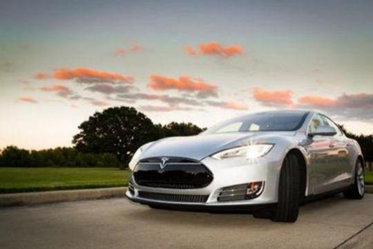 美国新能源汽车热销,特斯拉盈利或将持续