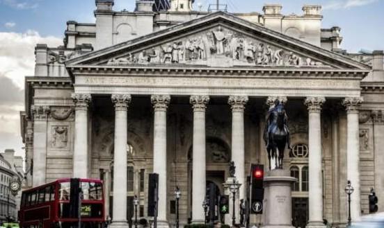 区块链技术应用于央行中不会影响金融的稳定性反而会...